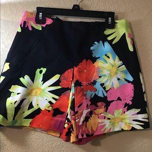 Cache short/skirt